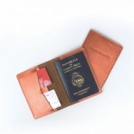 PASSPORT HOLDER HAPPY TRAVELS COOPER