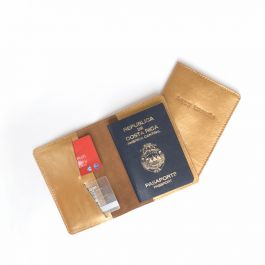 PASSPORT HOLDER HAPPY TRAVELS GOLDEN